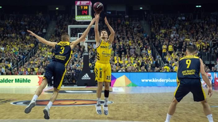 Basketball Berlin 16.02.2020 Saison 2019 / 2020 MagentaSport BBL Pokal Finale Alba Berlin - EWE Baskets Oldenburg Marti