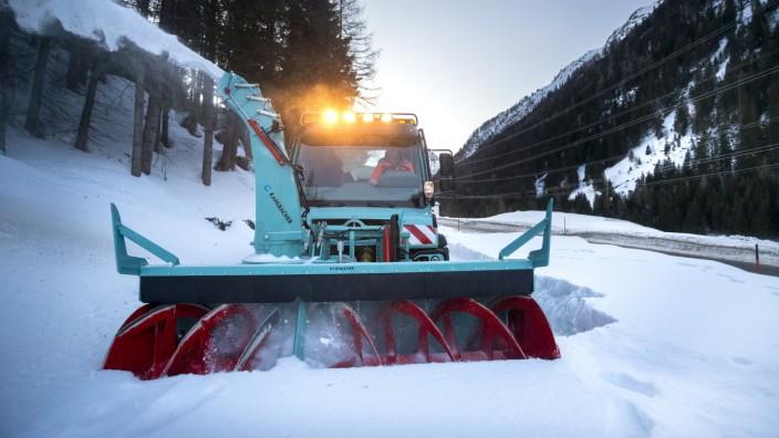 Winterdienst auf der Felbertauernstraße in Osttitrol