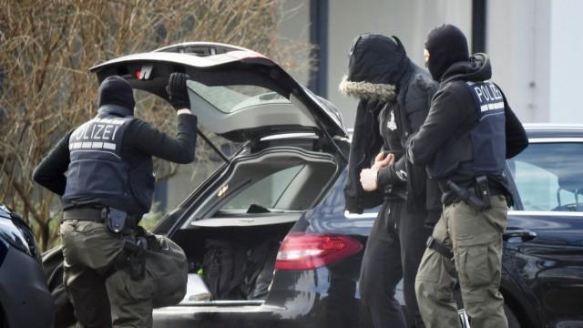 Mutmaßliche rechte Terrorzelle - Festgenommene beim BGH