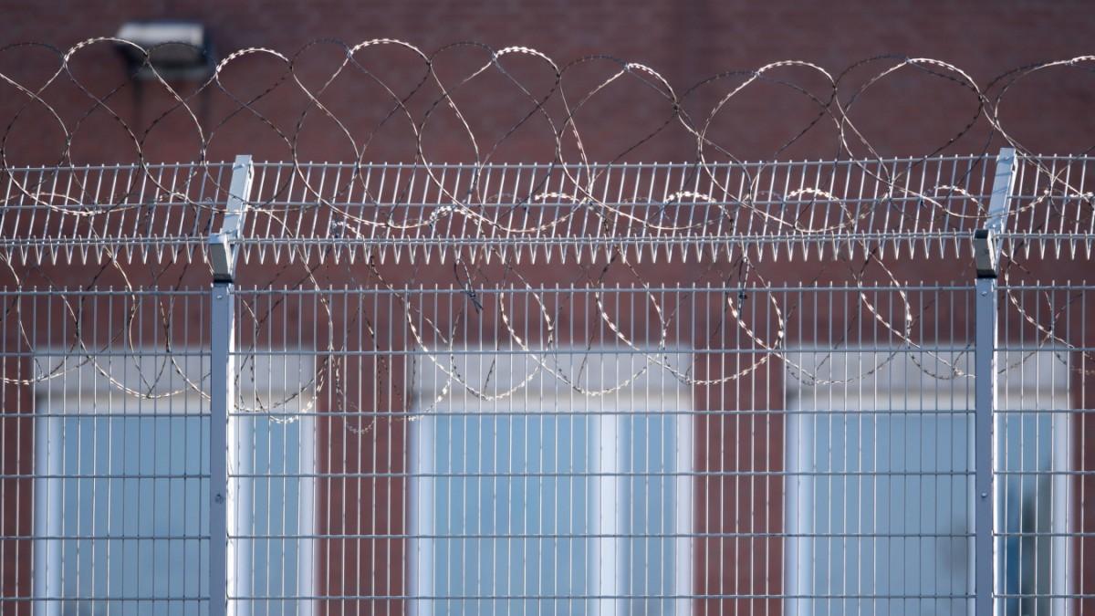 Köln-Ossendorf: JVA-Mitarbeiter fotografierten Gefangene