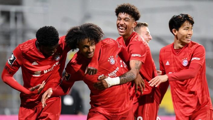 v.li.: Kwasi Okyere Wriedt (Bayern München, FCB, 10) Joshua Zirkzee (Bayern München, FCB, 32) Christopher Richards (Baye