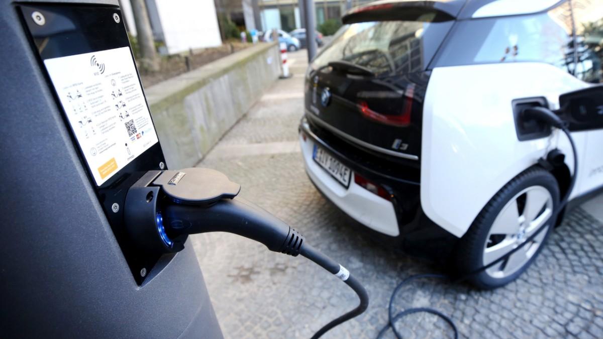 Elektroautos - So funktioniert die Umweltprämie