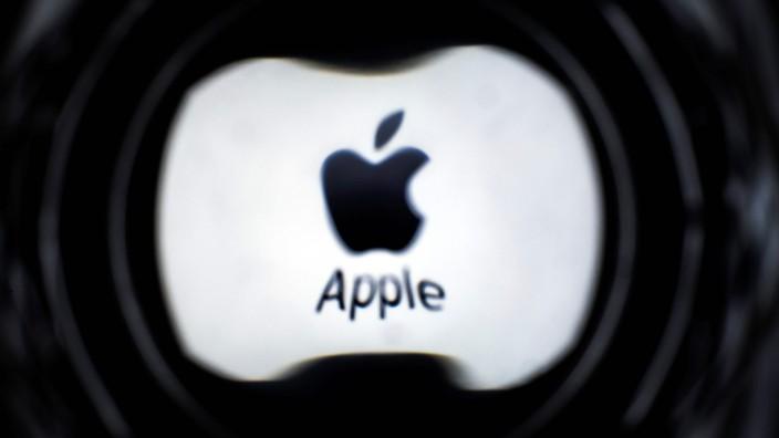Unterlassungserklärung: Autor Tom Sadowski berichtet von seinem ersten Treffen mit Apple-Chef Tim Cook in Berlin und gibt Tipps für App-Entwickler. Wer auf Insiderinfos aus Cupertino hofft, wird aber enttäuscht.