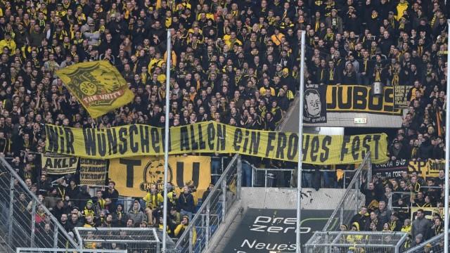 20.12.2019, xmeix, 1.Fussball Bundesliga, TSG 1899 Hoffenheim - Borussia dortmund, emspor, v.l. Ein Transparent von Dort; Hopp