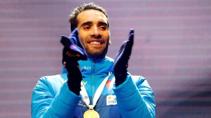 Biathlon-WM 2020: Martin Fourcade feiert seine Goldmedaille im Einzel