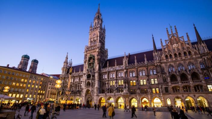 Abendstimmung in der Innenstadt - Rathaus München
