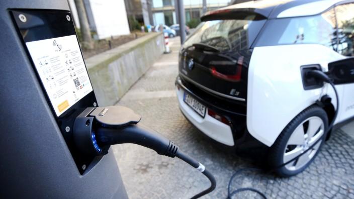 Höhere Kaufprämie für Elektroautos in Kraft