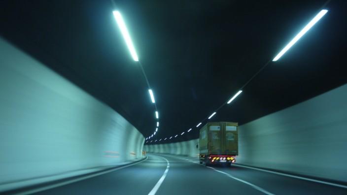Fahrt durch Tunnel, Viscarda, Piedmont, Italien, Europa iblrgb02444253.jpg