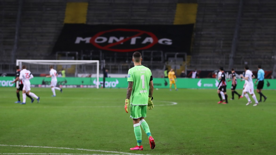 Montagspiel Frankfurt vs Union: Die Tribüne bleibt leer