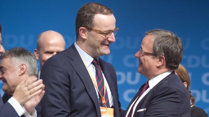 Armin LASCHET CDU Landesvorsitzender und Ministerpraesident des Landes Nordrhein Westfalen freut s