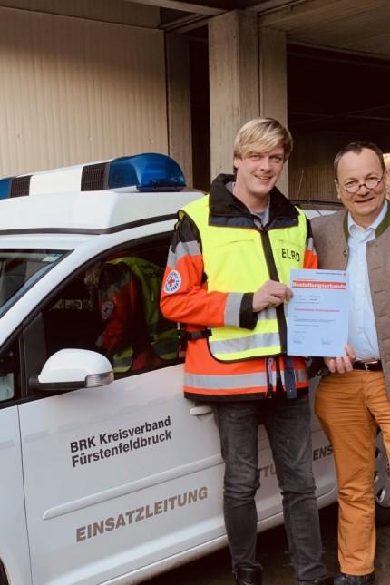 BRK Fürstenfeldbruck bestellt mit Max Bolsinger einen neuen Einsatzleiter Rettungsdienst Foto: Max Bolsinger, stv. Leiter Rettungsdienst, links; Rainer Bertram, Kreisgeschäftsführer, rechts auf dem Bild.