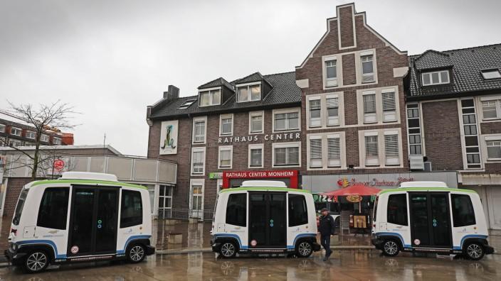Selbstfahrender E-Bus startet Linienbetrieb