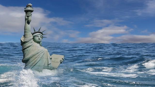 Drowning Statue of Liberty; SZ-Magazin