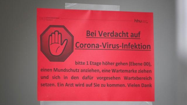 Coronavirus: Warnhinweis in der Universitätsklinik Düsseldorf