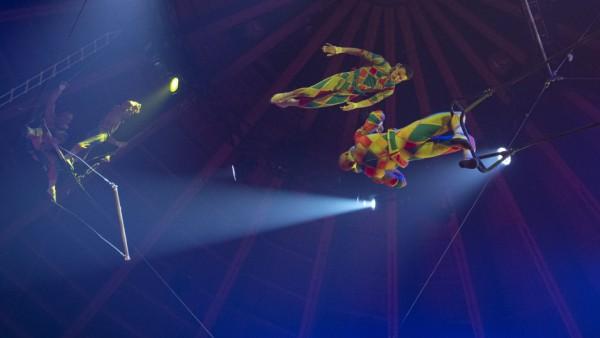 """Die """"Flying Heroes"""" aus Russland zeigen spektakuläre Luftartistik."""