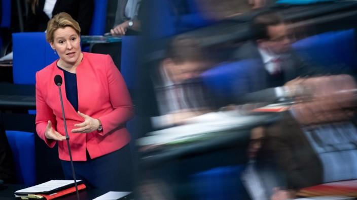 Giffey will Frauenquote für Vorstände großer Unternehmen