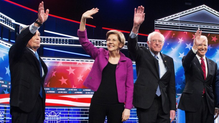 Feb.19, 2020 - Las Vegas, Nevada, U.S. - From left, Democratic presidential candidates MICHAEL BLOOMBERG, ELIZABETH WAR