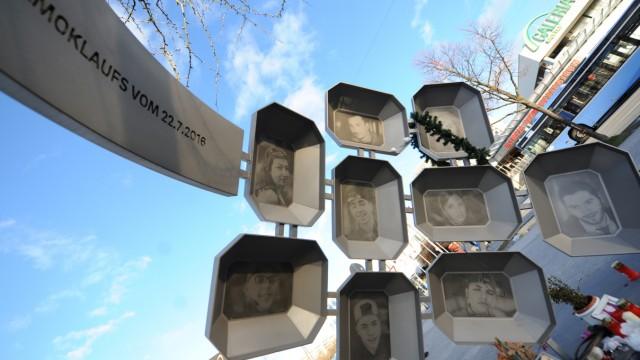 Denkmal für die Opfer des Attentats am OEZ in München