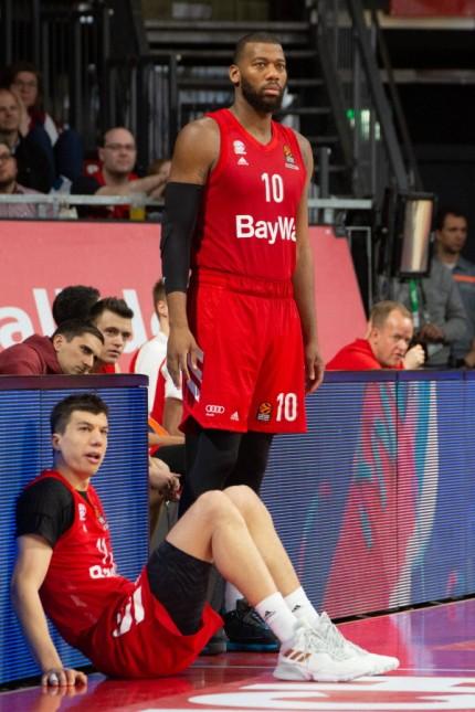 Enttaeuschung ¦ Vladimir LUCIC ( 11, FCBB), Greg MONROE ( 10, FCBB) und FCBB - Coach Oliver KOSTIC (FCBB). Basketball, F