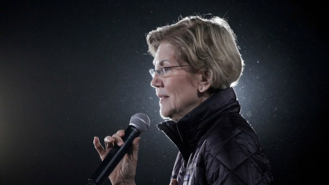 FILE PHOTO: U.S. Democratic presidential candidate Senator Elizabeth Warren speaks during a campaign town hall event at the Clark County Government Center Amphitheater in Las Vegas