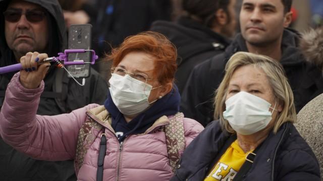 Papst lässt wegen Erkältung Fastenexerzitien ausfallen