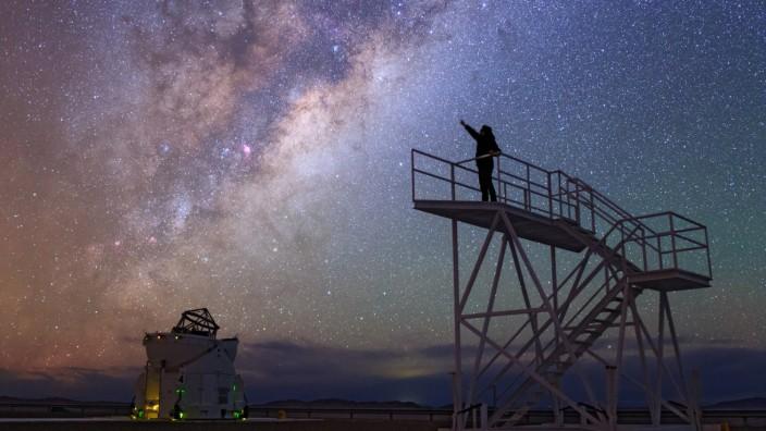 Voie lactee sur l observatoire du Paranal 03 2014 Reaching for stars Paranal Observatory Chile