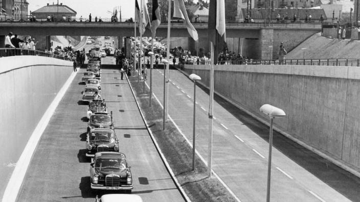 Eröffnung eines Teilstücks des Mittleren Rings in München, 1963