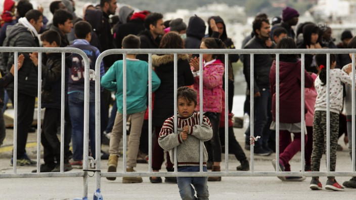 Greece Hardens Border Enforcement As Turkey Urges Refugee Migration To EU