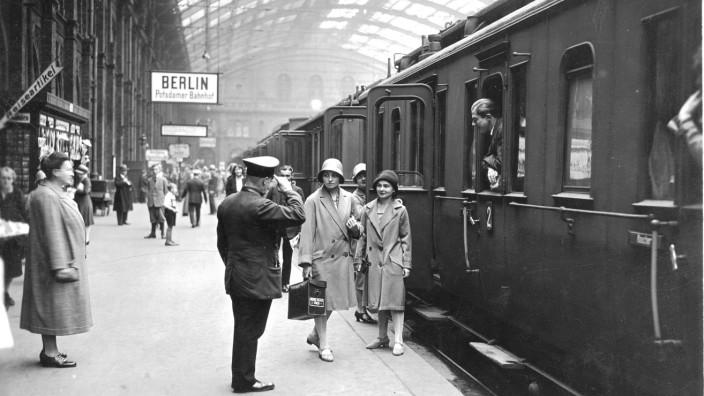 DB Museum - Historische Bahnhofsfotos