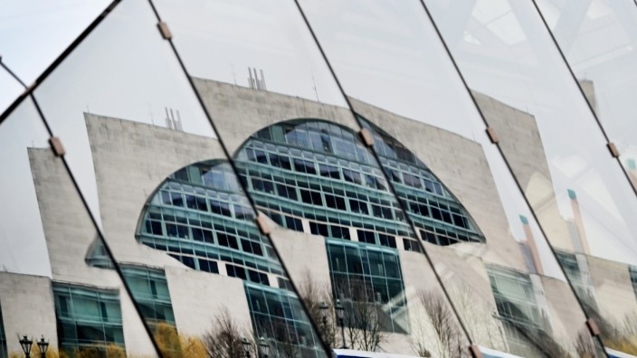 Spiegelung Berliner Kanzleramt