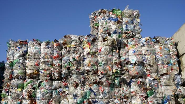 Plastikmüll *** Plastic waste