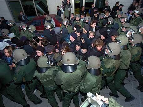 Sicherheitskonferenz Polizei Demo