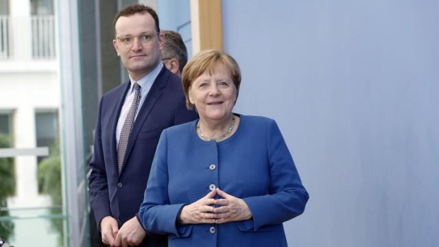 Angela Merkel + Jans Spahn 2020-03-11, Berlin, Deutschland - Bundespressekonferenz. Bundeskanzlerin Angela Merkel (CDU)