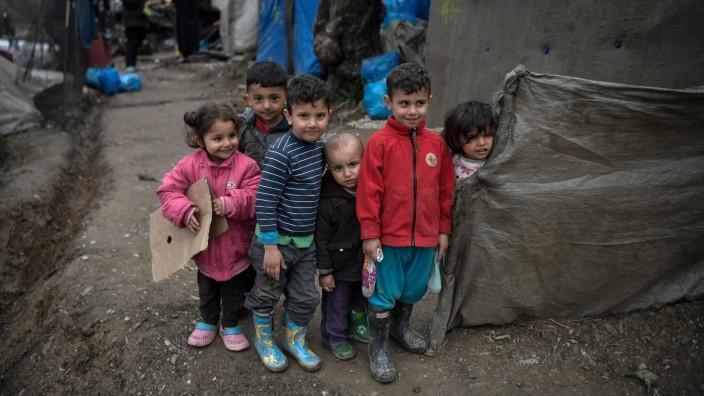 Migration: Kinder in einem Flüchtlingslager auf Lesbos.