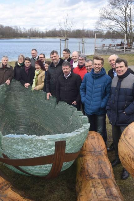 Glasarche am Karlsfelder See: Mit Vertretern aus Verein, Mitgliedskommunen und Politik wird die Glasarche 3 am Karlsfelder See geweiht.