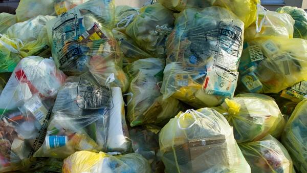 Report: Plastikmüll-Exporte wechseln rasch die Zielländer; Plastikmüll