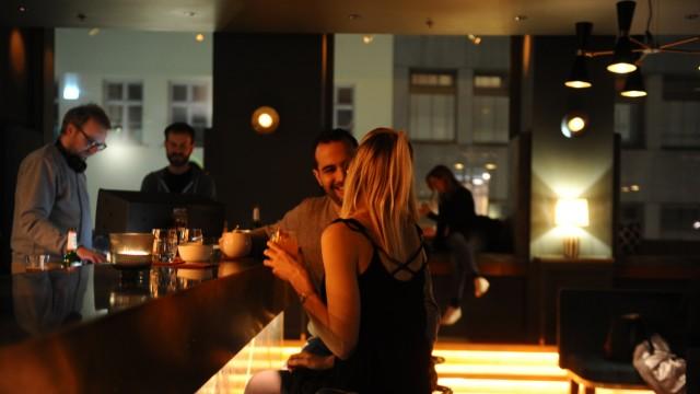 Amano Bar: Die Amano Bar kommt ursprünglich aus Berlin, vor Kurzem hat die erste Münchner Filiale eröffnet.