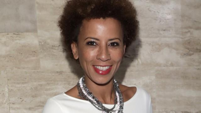 Arabella Kiesbauer wird 50