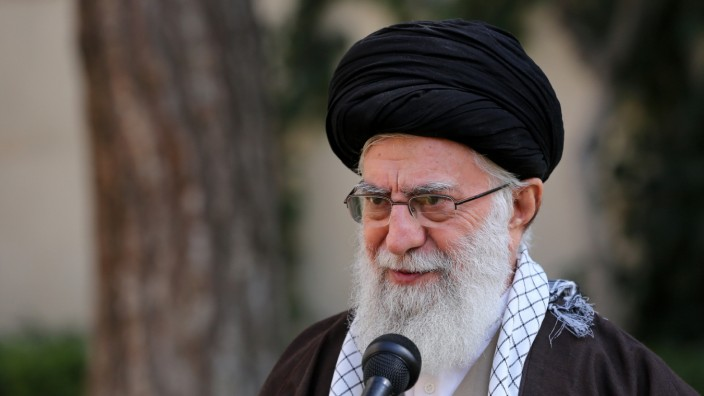 "Coronavirus: Ayatollah Khamenei glaubt fest an eine ""biologische Attacke""."