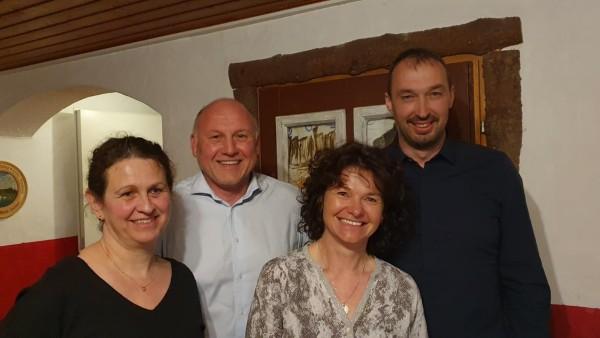 Neue Bürgermeisterin Emmering: Claudia Streu-Schütze (Freie Wählergemeinschaft) mit Kandidaten für Gemeinderat