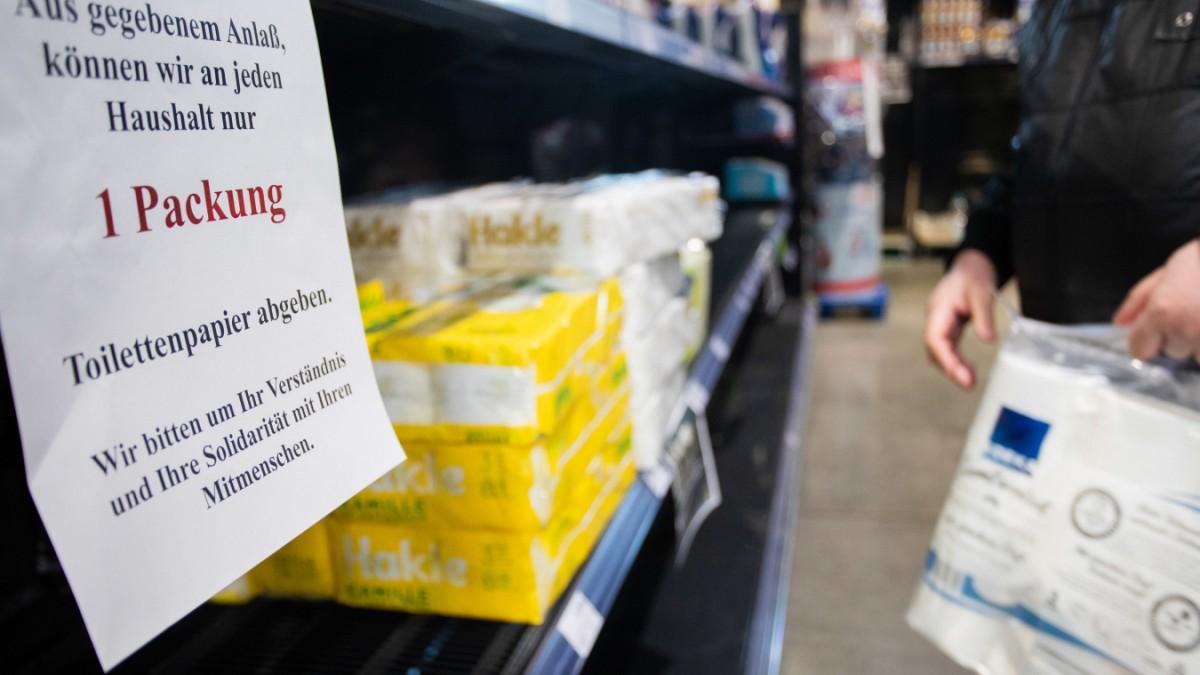Hamsterkäufe: Wozu braucht ihr all das Klopapier?