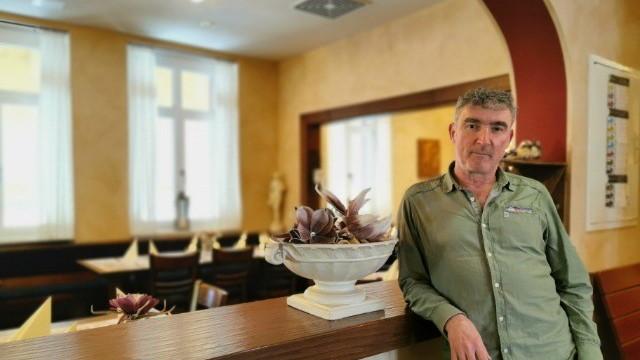 Corona-Krise: Auch Gastronom Konstantinos Skafidas aus Unterfranken beklagt fehlende Gäste.