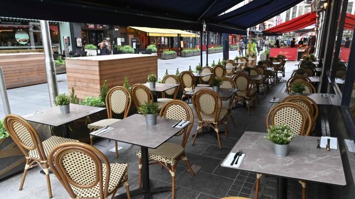 Leeres Restaurant während der Corona-Krise