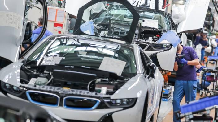 BMW: Montage im Werk Leipzig