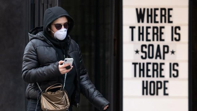 BESTPIX - UK Government Advises Public To Avoid Theatre, Pubs and More Due To Coronavirus