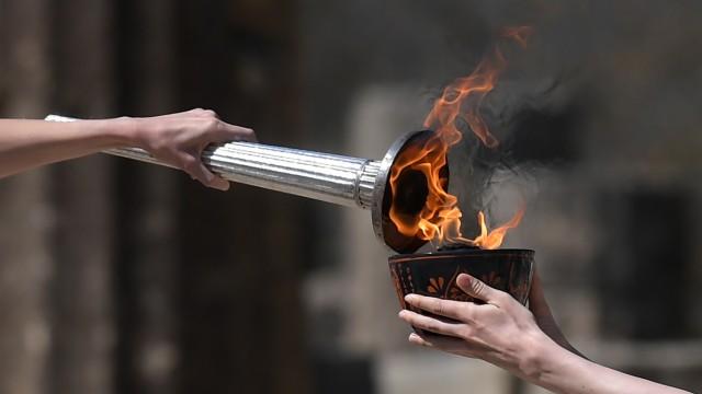 Olympisches Feuer wird in Olympia 2020 entfacht