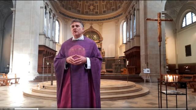 Pfarrer David Theil St. Ursula, Schwabing ,  über die Homepage der Gemeinde www.altschwabing-katholisch.de/pfarrverband-altschwabing oder direkt https://www.youtube.com/watch?v=Uij1aEO6ky8&feature=youtu.be