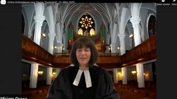Miriam Groß,  St.Pauls, Manhattan war man Pfarrerin in Fürstenried, sie ist eine erfahrene Bloggerin und gilt innerhalb der evangelischen Kirche als richtungsgebend, was die neuen Medien angeht Online-Gottesdienst über Link  auf der Homewww.stpaulny.org