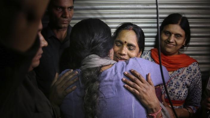 Indien: Vier Vergewaltiger einer Studentin hingerichtet