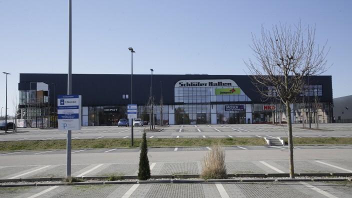 Einkaufen in Freising: Jetzt dürfte es wieder voller werden: Die Geschäfte in den Freisinger Schlüterhallen haben wieder geöffnet.
